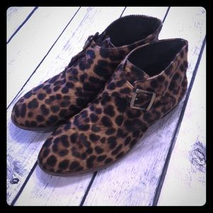 JOHNSTON & MURPHY leopard mohair ankle boots